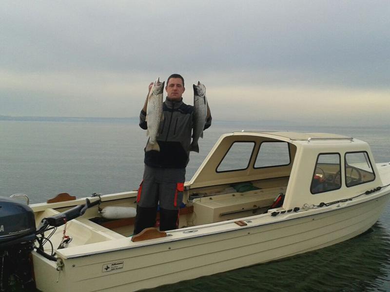 Dennis mit Seeforelle 67cm und 65cm